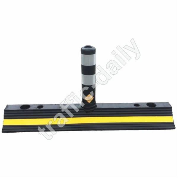 Разделително пътно стълбче с гумена основа